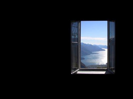 Finestra aperta finestra aperta terza pagina for Finestra immagini