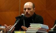 L'INTERVISTA. L'autore di Peregrin d'amore (Mondadori, 2010) risponde alle domande degli studenti del Liceo Classico Virgilio di Roma. Come le è venuta l'idea di scrivere...
